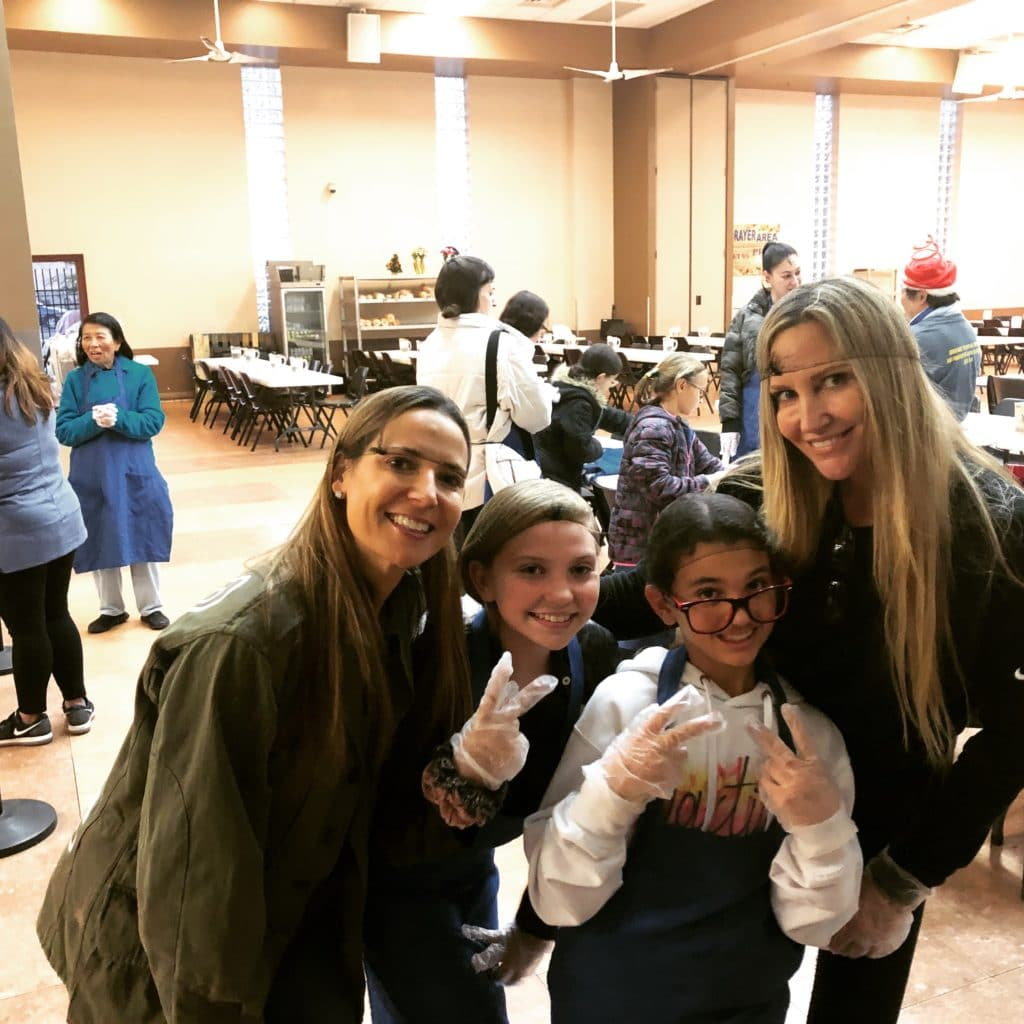 Girl Nation volunteers at Las Vegas Rescue Mission